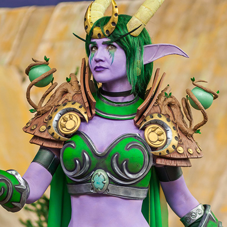 Ysera grows the pauldrons